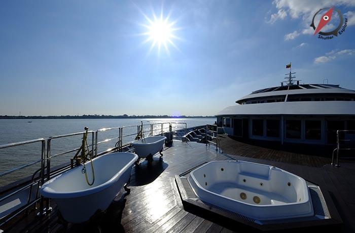 เรือ Vintage Luxury ย่างกุ้ง 2